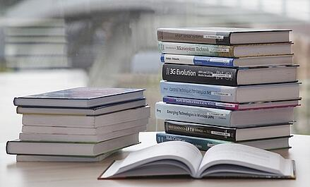 feature_stackofbooks