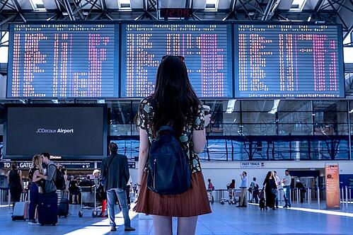 feature_study_abroad_woman_airport