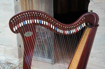 harp-195622_640.jpg