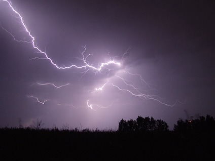 lightning-342341_640-1.jpg