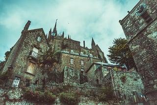 mansion-1149774_640.jpg