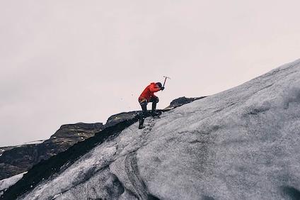 mountain-climbing-802099_640.jpg