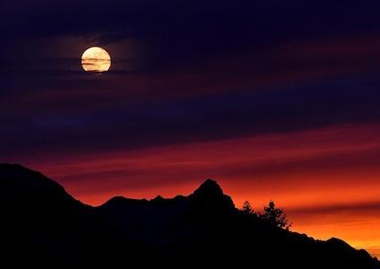 mountains-665199_640.jpg