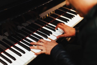 pianist-1149172_640.jpg