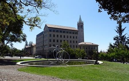 university-1014249_640