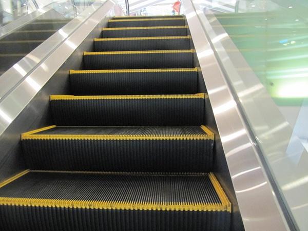 body_escalator.jpg