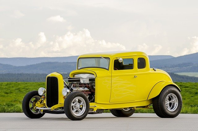 body_yellowcar.jpg